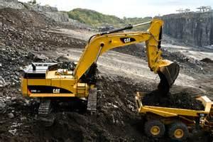 cat excavators cat s 374d hydraulic excavator features added horsepower