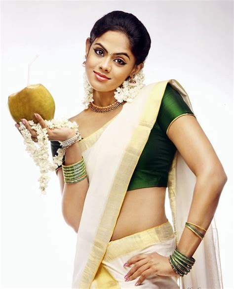 actress karthika details karthika s beautiful pics chitram movie data