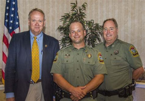 Islandton Man Dnr's Top Officer