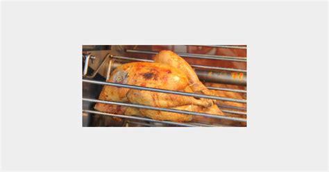 comment cuisiner un poulet comment cuisiner les restes de poulet terrafemina