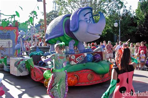 Disney California Adventure Block Party Bash