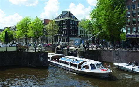 Boat Cruise Utrecht by Canal Cruises In Amsterdam