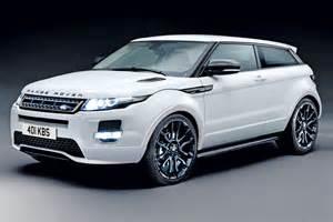 White Range Rover Evoque Sport
