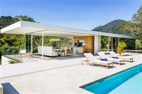 Modern Hillside House In California With A Pool