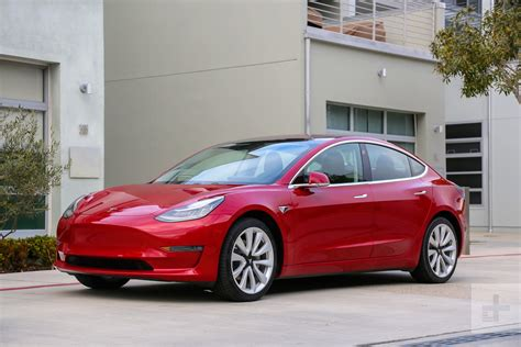 Tesla Model 3 Gets Summon, A Selfparking Feature