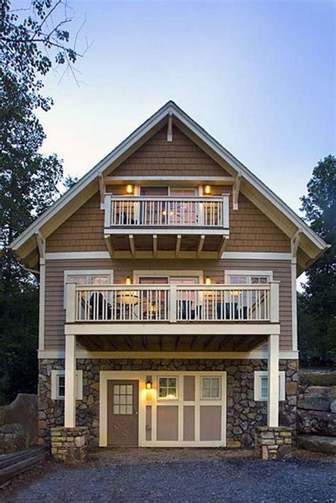 92+ Stunning Second Floor Balcony Architecture Ideas