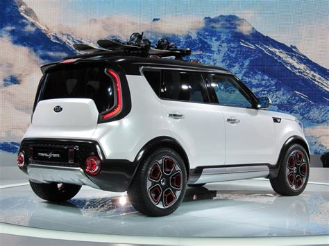 image kia trailster  awd hybrid concept   chicago