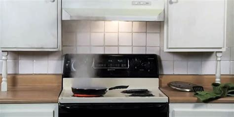 Kitchen How To Put Out by How To Safely Put Out A Grease And Prevent Them