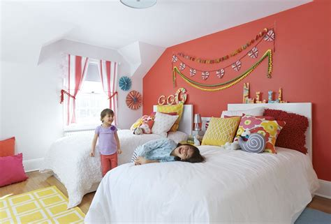 inexpensive  colorful kids bedroom ideas