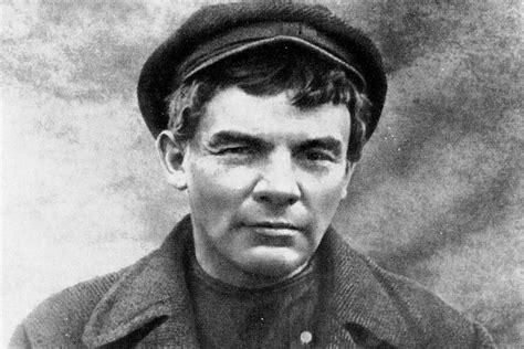 lenin   lead  russian revolution russia