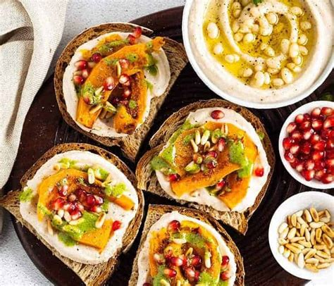 Thick baguette slices are topped with blue or gorgonzola cheese, tomatoes, chives, mozzarella, and parsley, and baked until melty. Heavy Appetizer Menu - 50 Best Thanksgiving Appetizers Ideas For Easy Thanksgiving Apps Recipes ...