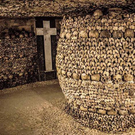 kann man die katakomben von paris besichtigen tod