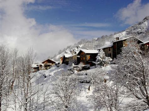 130 Year Savoie Stable Turned Luxurious Mountain Retreat 130 year savoie stable turned into a luxurious