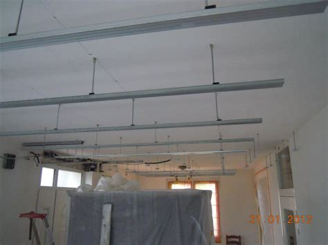 plafond pvc cuisine pose faux plafond salle de bain modernisez votre salle de