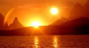 Pictures Showing Two Suns in Sky Due to Hunter's Moon ...