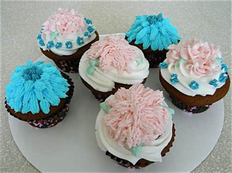 ideas for decorating cupcakes simple cupcake decorating ideas
