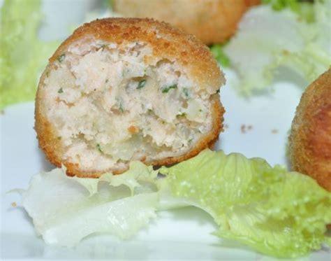 croquette de saumon cuisine fut croquettes de saumon aux herbes les recettes de la