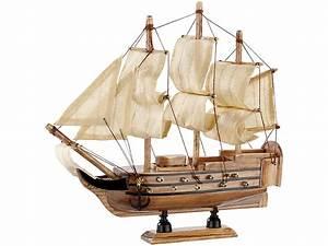 Schiff Basteln Holz : playtastic schiff bausatz flaggschiff aus holz 70 teile ~ Frokenaadalensverden.com Haus und Dekorationen