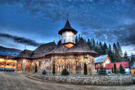 Case muzeul satului