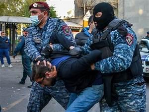 Accord Sur Le Karabakh  Des Opposants Arm U00e9niens Arr U00eat U00e9s