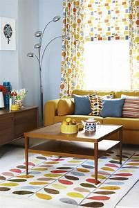la couleur jaune moutarde nouvelle tendance dans l With tapis jaune avec bonaldo canapé