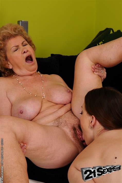 Lesbian Fuck Features Teen Cutie And A Horny Granny Effie