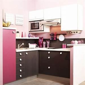 cuisine feminine une petite cuisine en rose et marron a With décoration petite cuisine