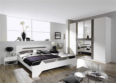 tables et chambres d h es chambre moderne adulte blanche chaios com
