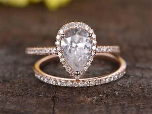15 carat pear shaped moissanite engagement ring set for Wedding band for teardrop engagement ring