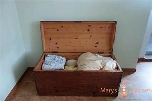 Geruch Aus Alten Möbeln Entfernen : muffige truhe wird wieder benutzbar mary 39 s kitchen ~ Orissabook.com Haus und Dekorationen