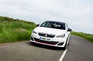 Peugeot 308 2017 : peugeot 308 gti 2017 long term test review by car magazine ~ Gottalentnigeria.com Avis de Voitures