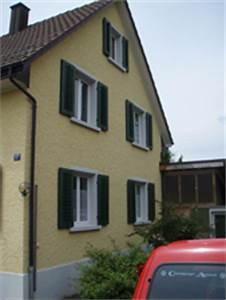 Haus Mit Fensterläden : lfarbe wir renovieren ihre fensterladen in lfarbe f r ein ~ Eleganceandgraceweddings.com Haus und Dekorationen
