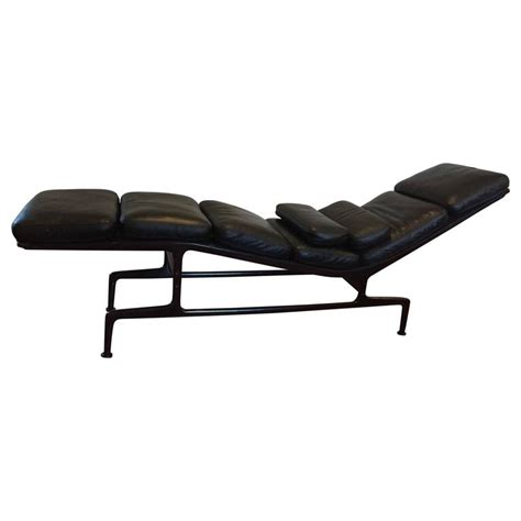 chaise herman miller eames for herman miller billy wilder chaise longue at 1stdibs