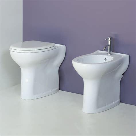 lade da bagno a parete vaso e bidet per anziani o disabili completo di sedile