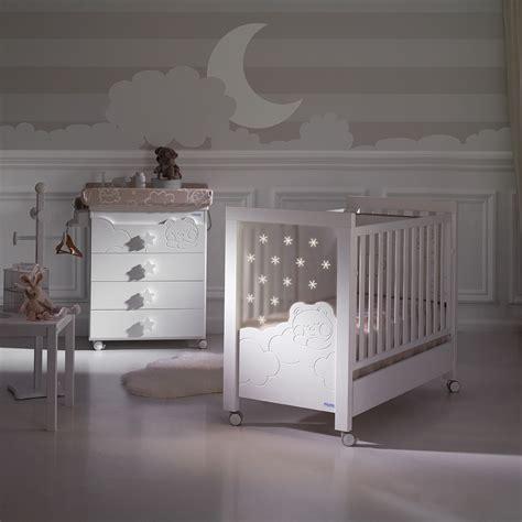 chambre de bébé jumeaux chambre jumeaux bebe