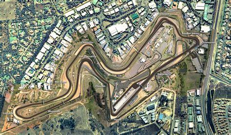 kyalami resurfaces  top  grand prix racing circuit