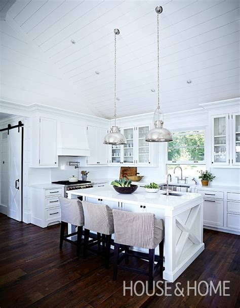 kitchen floors and cabinets 25 best ideas about hardwood on 4868