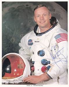 Neil Armstrong Autograph WSS Uninscribed with COA