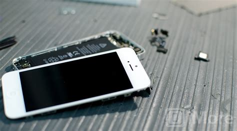 replacing iphone 5 screen how to replace a broken iphone ipod or screen the