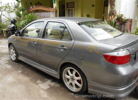 modifikasi toyota limo style warna silver otomotrip