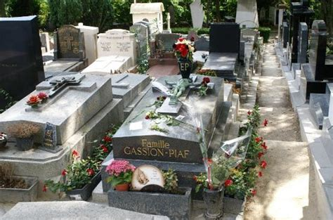 cimetiere du pere la chaise tombe d 39 edith piaf picture of pere lachaise cemetery