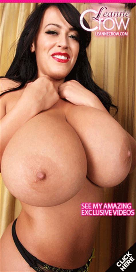 Tessa Fowler S Beautiful Big Boobs Topless By The Pool