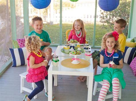host  kids easter egg decorating  hunt party hgtv
