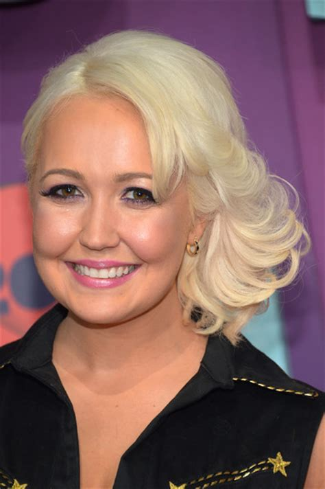 meghan linsey meghan linsey pictures arrivals at the cmt music awards zimbio