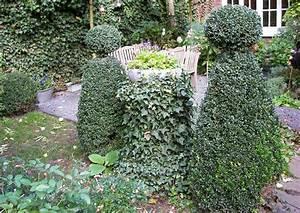 Buxbaum Schneiden Wann : hinterhofgarten gartenhof verspielte formen verbreiten ~ Lizthompson.info Haus und Dekorationen