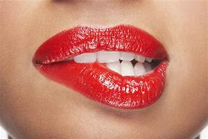 How To Read Women's Lips: How Lips Can Reveal Thoughts ...
