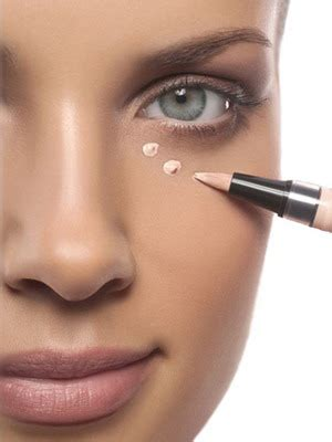 Подбираем хорошую и недорогую пудру для лица в зависимости от вашего типа кожи.