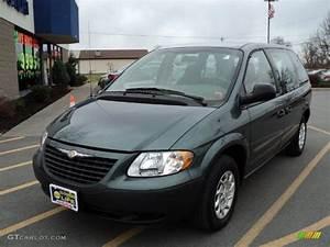 2002 Onyx Green Pearl Chrysler Voyager #58725012 ...