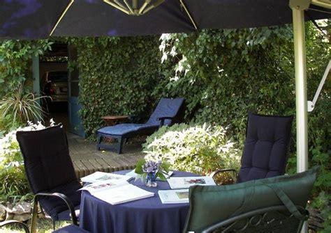 sitzplatz anlegen und gestalten garten und terrasse