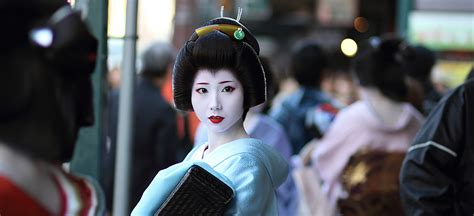 Unravel the mystery and explore the history of Japanese Geisha